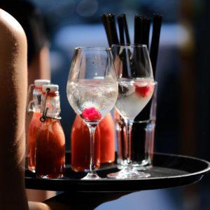 Gläser & Geschirr